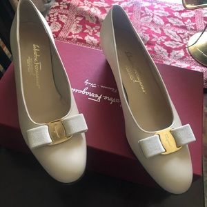 Salvatore Ferragamo leather Vara Bow Block Heel